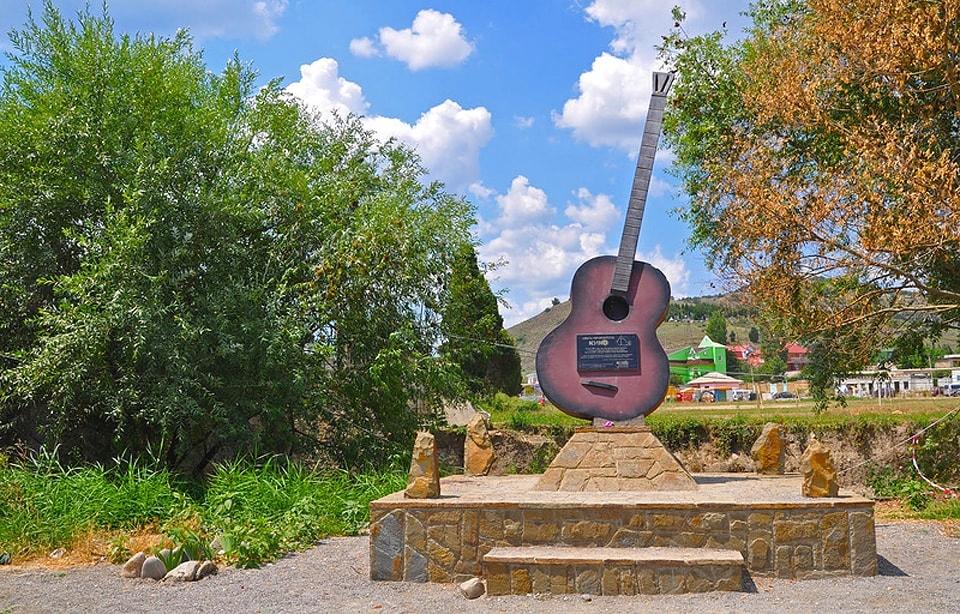 Памятник группе «КИНО»