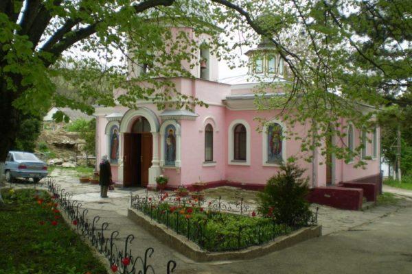 Топловский Троице-Параскевиевский монастырь